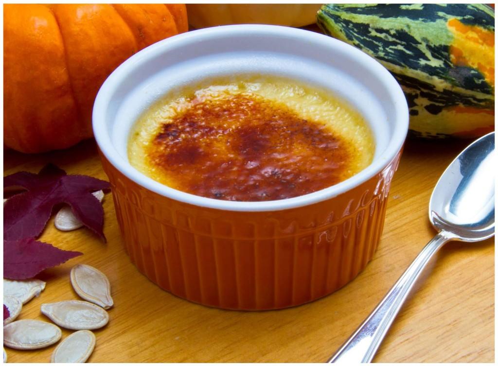 Thanksgiving-Pumpkin-Creme-Brulee-wB